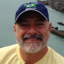 Carlos Adriano Souza